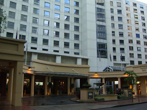 Sheraton Hotel Sydney. Photo by Alpha. License: CC BY-SA 2.0.