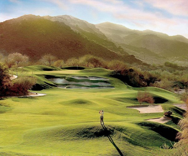 Arizona Golf Course. Image Credit: Arizona Grand Resort & Spa.
