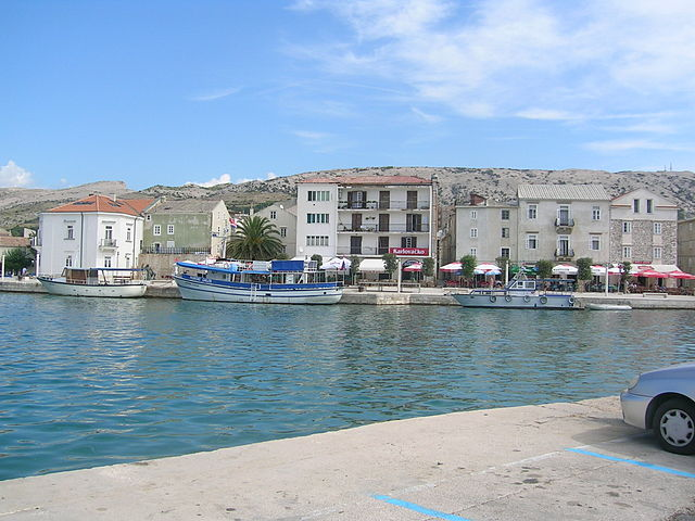 Pag, Croatia. Photo by Sebbelsandra. License: CC BY-SA 3.0.